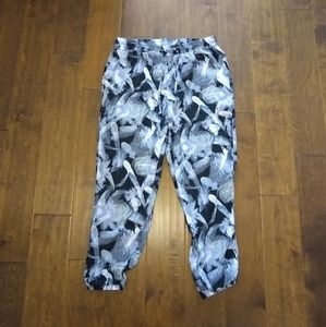 Kimchi Blue Urban Outfitters size M jogger pants